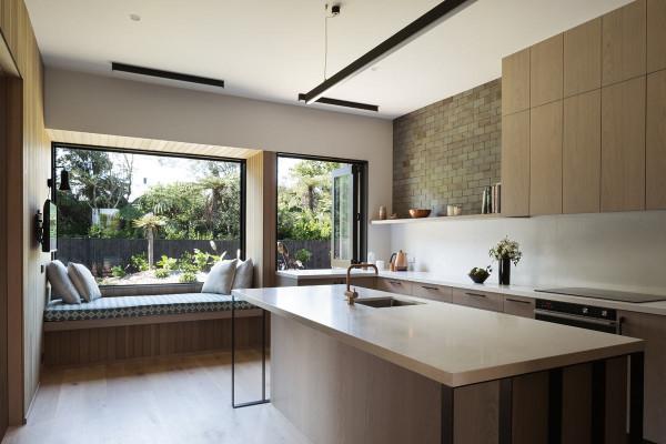 House-Under-Eaves-MRTN-Architects-6