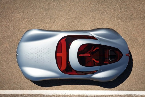 The TREZOR's rear and side paneling is covered in a hexagonal texture mirrored  across the center hood.