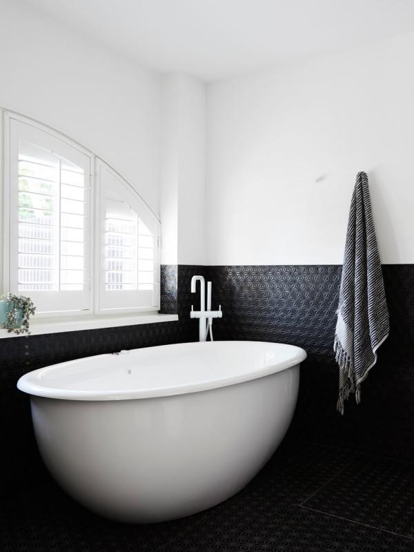 Toorak-Texture-NORTHBOURNE-Architecture-7-master-bath