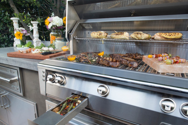 Kalamazoo Alfresco Grill with Smoker Tray