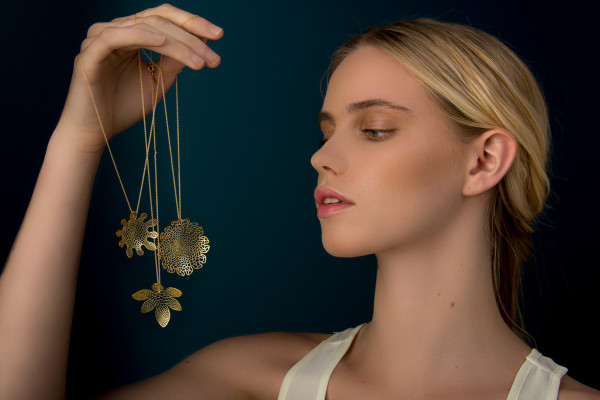 Corollaria: Algorithmic Jewelry by Nervous System