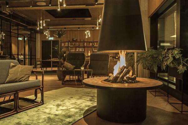 hotel-v-fizeaustraat-dining-area-1