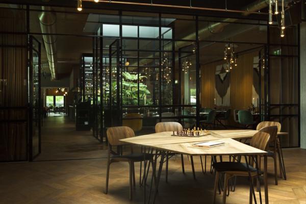 Hotel v fizeaustraat in amsterdam design milk for Designhotel unna