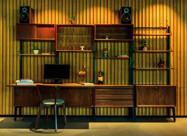 hotel-v-fizeaustraat-reception-guest-desk