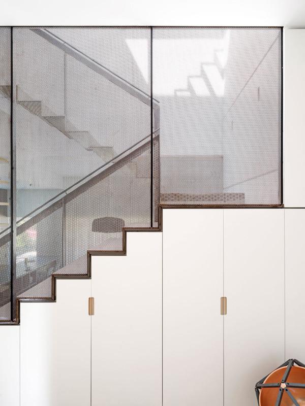 luigi-rosselli-architects-hill-top-cottage-12