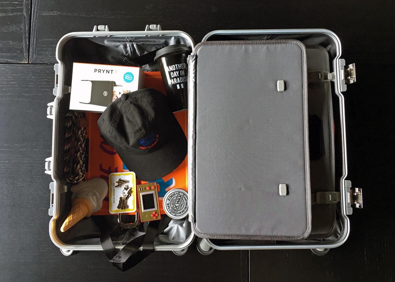 suitcase-open-tumi-2