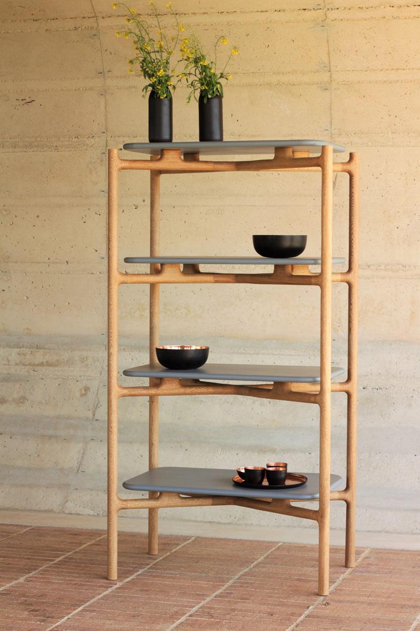 A Skeleton Frame Bookshelf by Vrokka