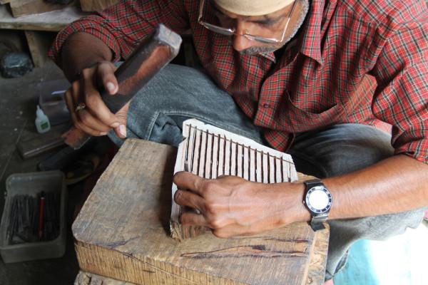 Decon-Block-Shop-4b_Carve-Design-into-Wooden-Blocks-Part-2