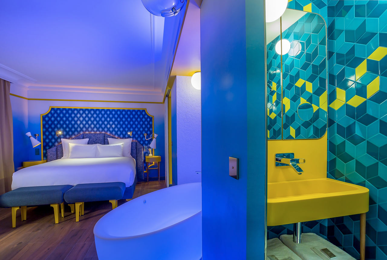Blue sunshine suite for Boutique hotel paris 16