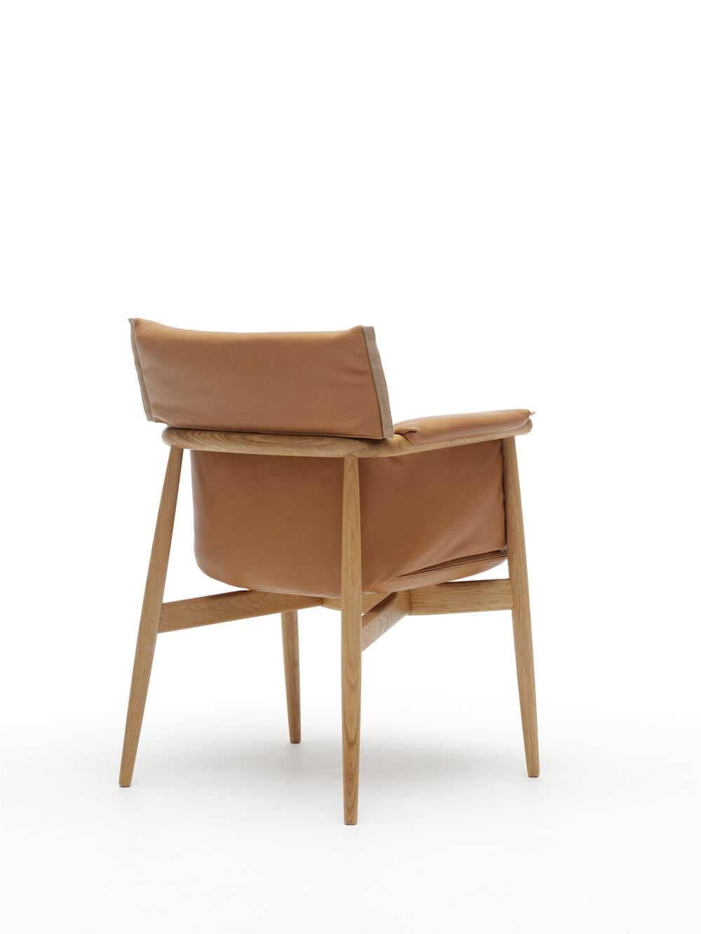 EOOS-Carl-Hansen-Embrace-Chair-10