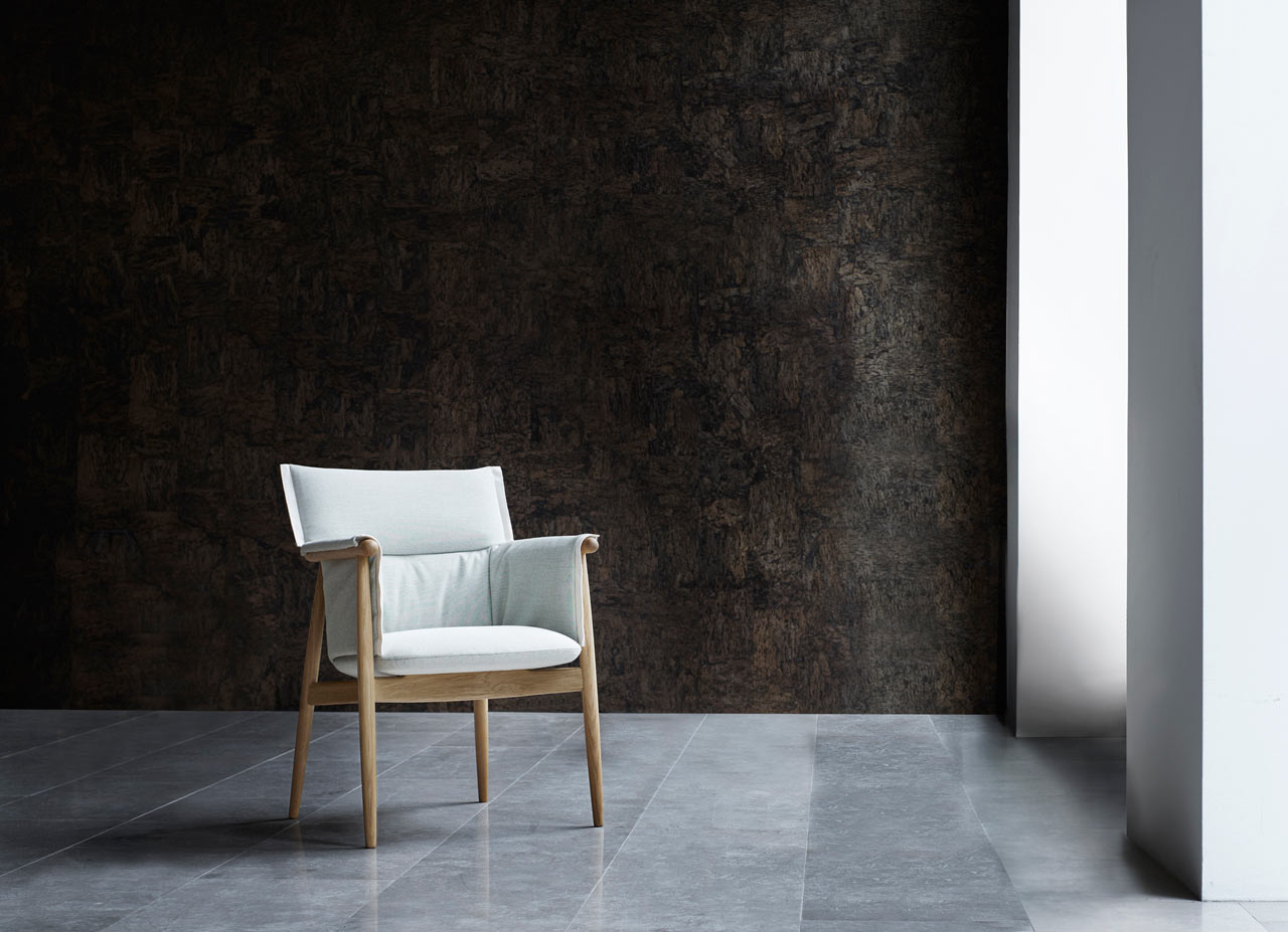 EOOS-Carl-Hansen-Embrace-Chair-2