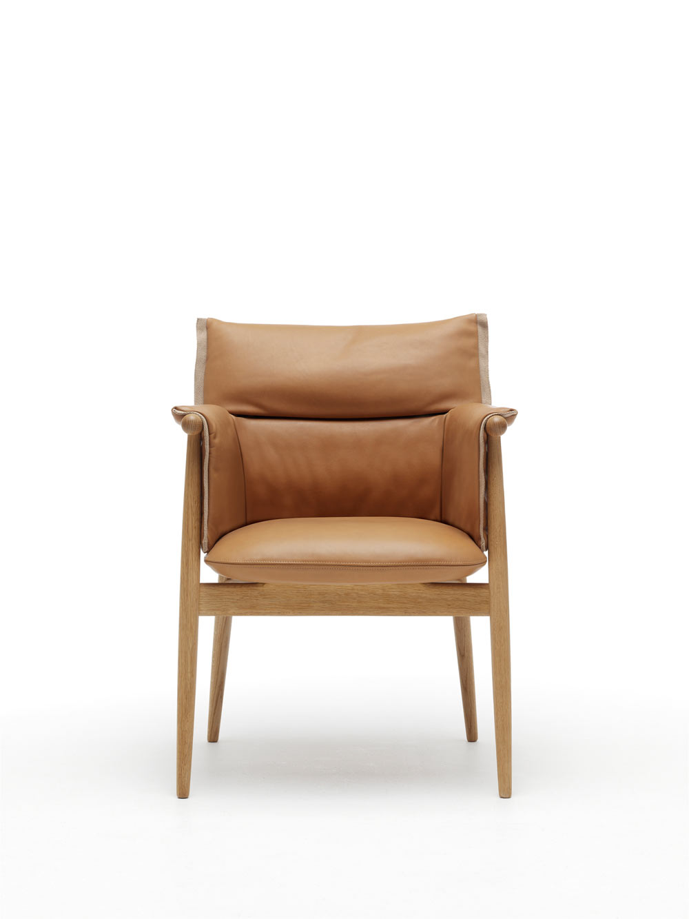 EOOS-Carl-Hansen-Embrace-Chair-8