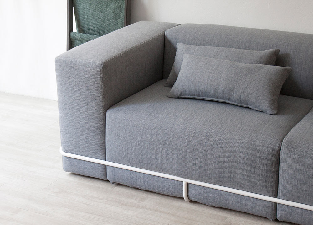 frame-sofa-cho-hyung-suk-design-studio-munito- & A Minimalist Sofa Held Together with a Frame - Design Milk