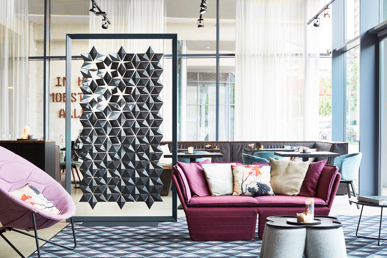 Freestanding_Room_Divider_Facet_Bloomming-2-0282_variatie1_Graphite