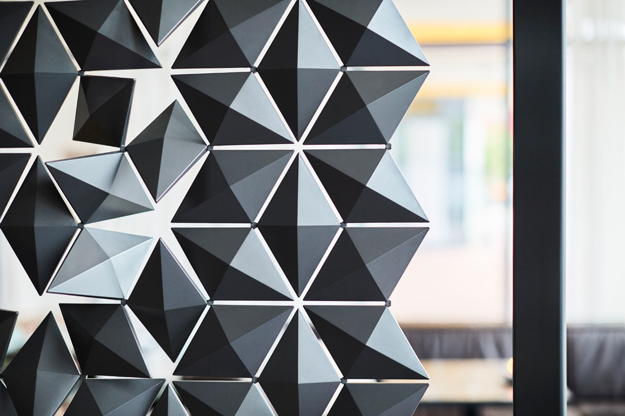 Freestanding_Room_Divider_Facet_Bloomming-5