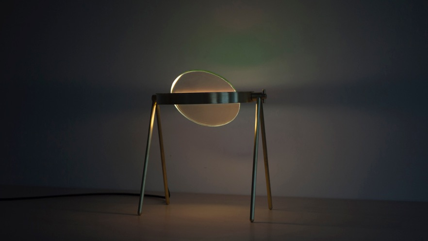 A Table Lamp That Creates an Indoor Aurora
