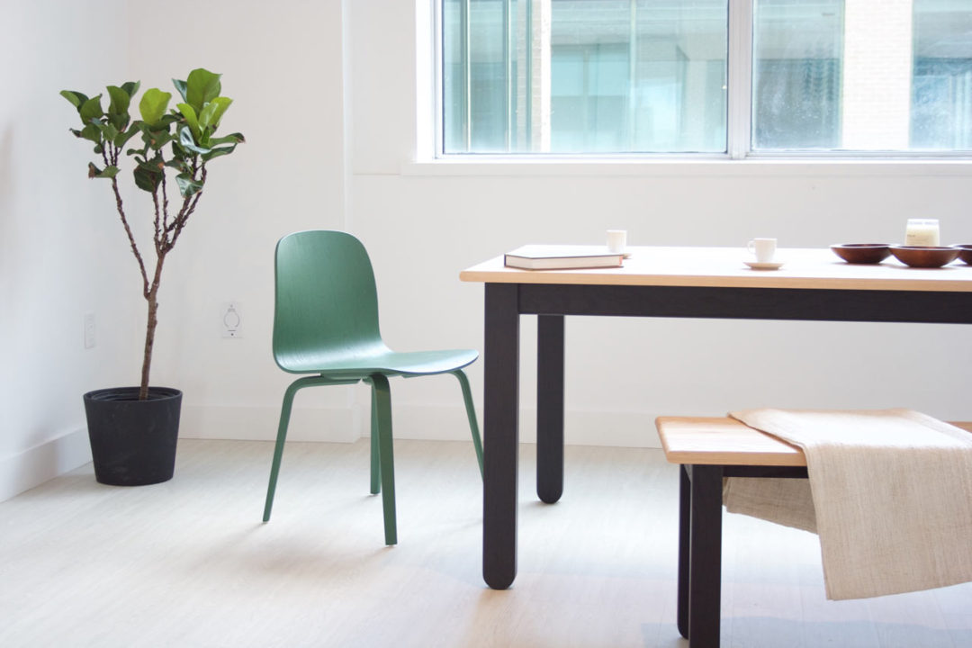 kroft-dining-table-001-xl-greenchair