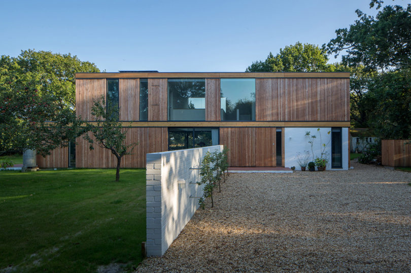 stromarchitects_woodpeckers-house-10
