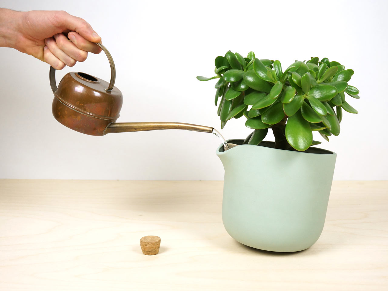 Studio Lorier's Self-Watering Flowerpot