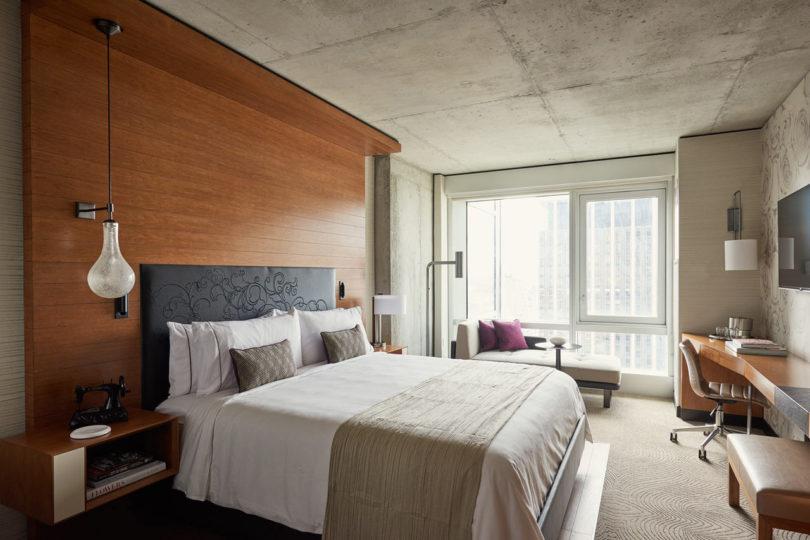 tumi-giveaway-renaissance-hotel-2