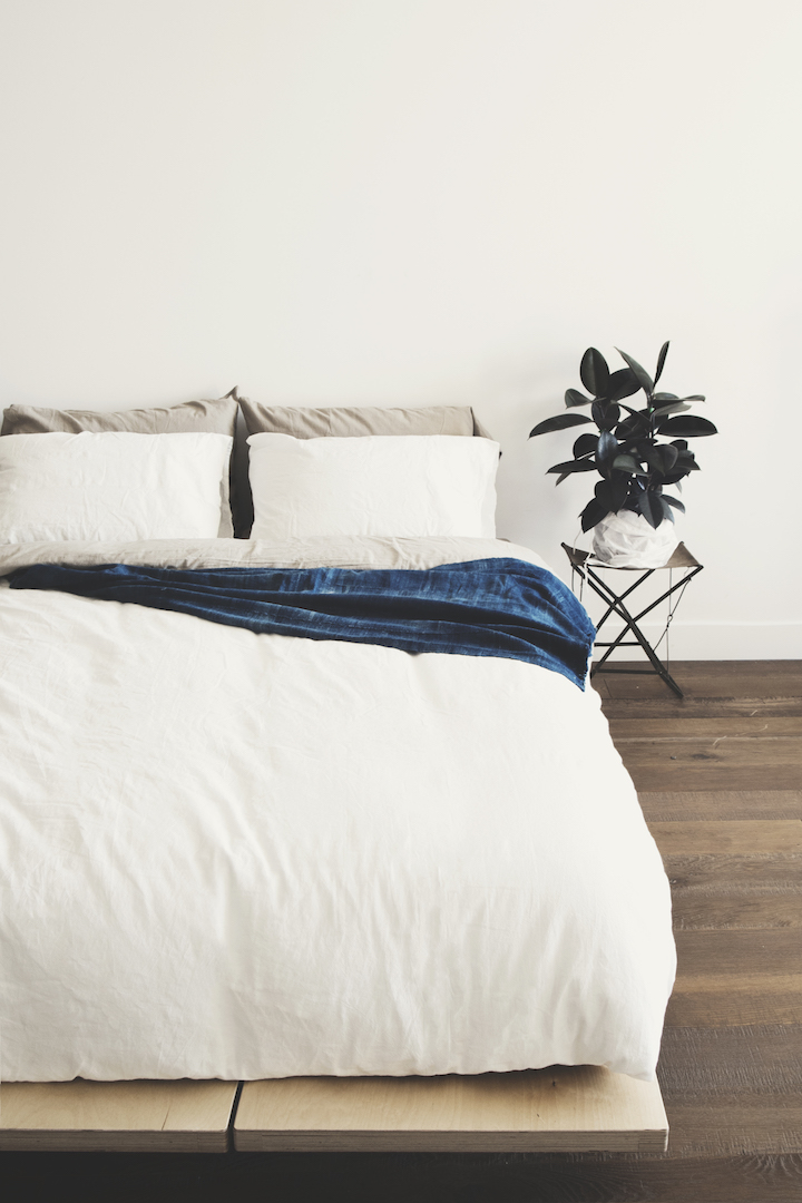 ours-home-001-casper-bed