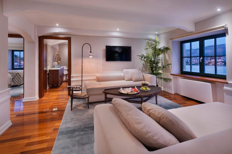 Brown Beach House Interiors 2