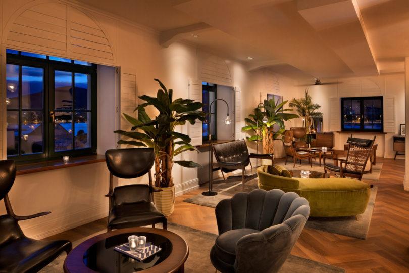 brown-beach-house-interiors-4