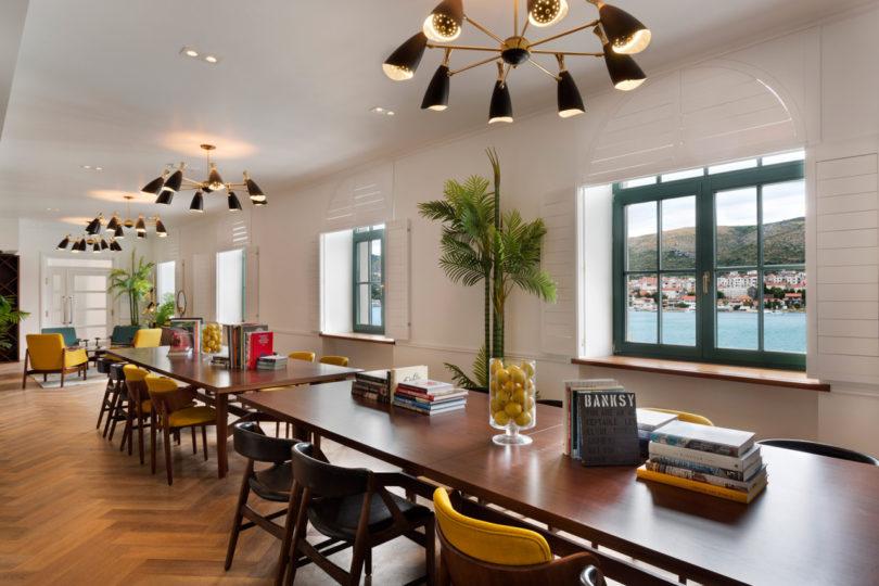 brown-beach-house-interiors-6