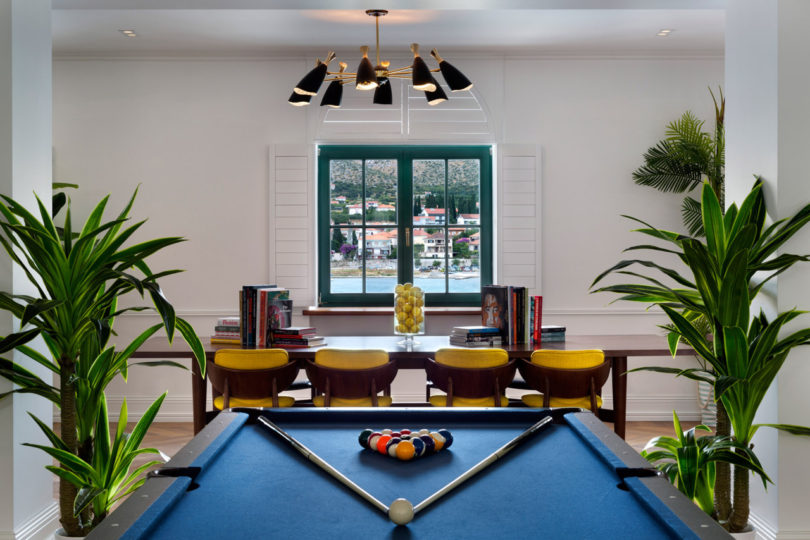 brown-beach-house-pool-table