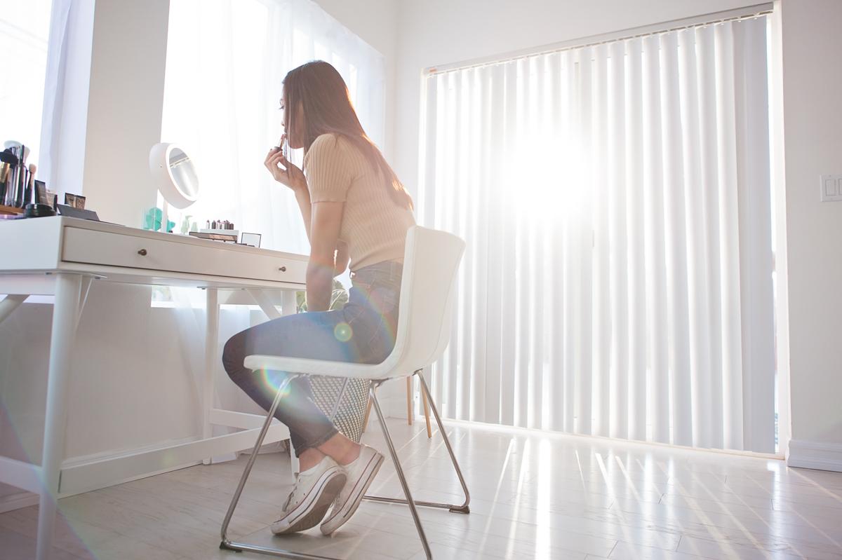 juno-mirror-deskside