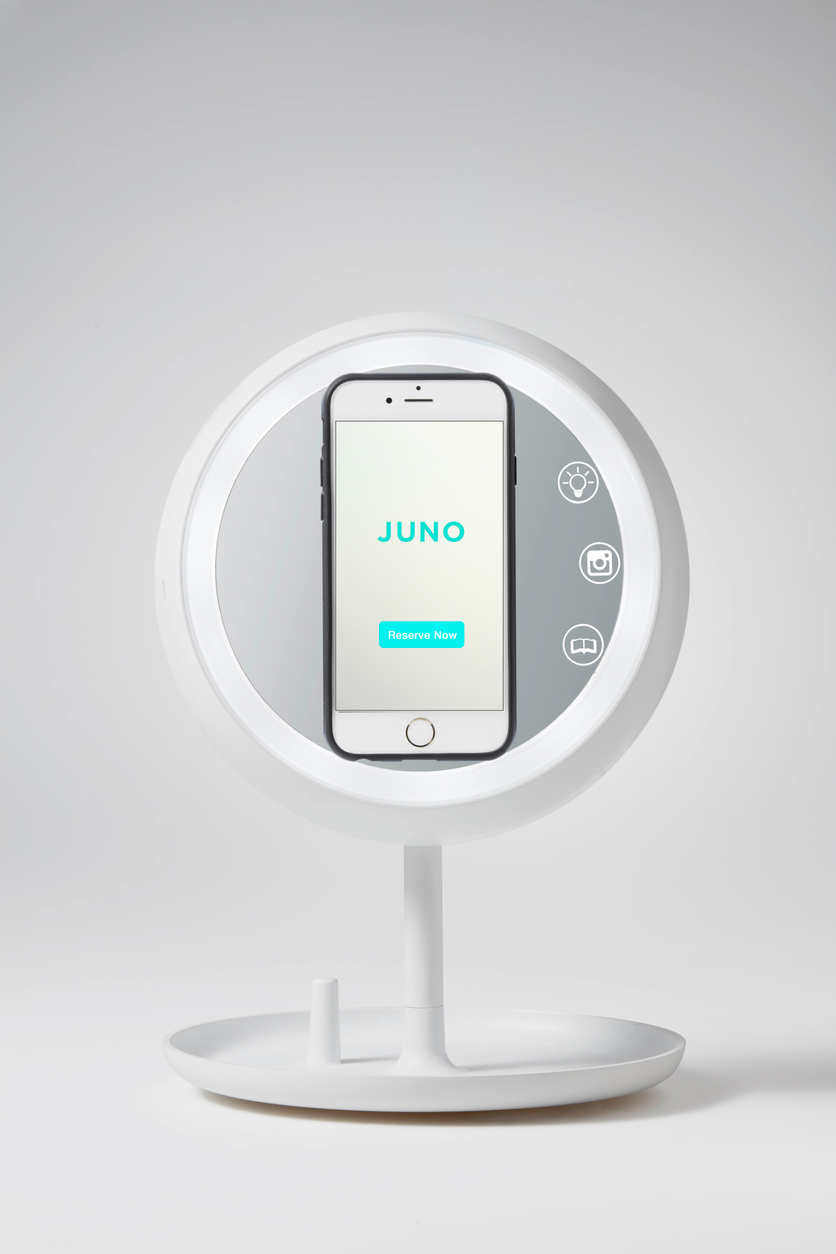 The Juno Smart Mirror Makes It Easy To Take Perfect