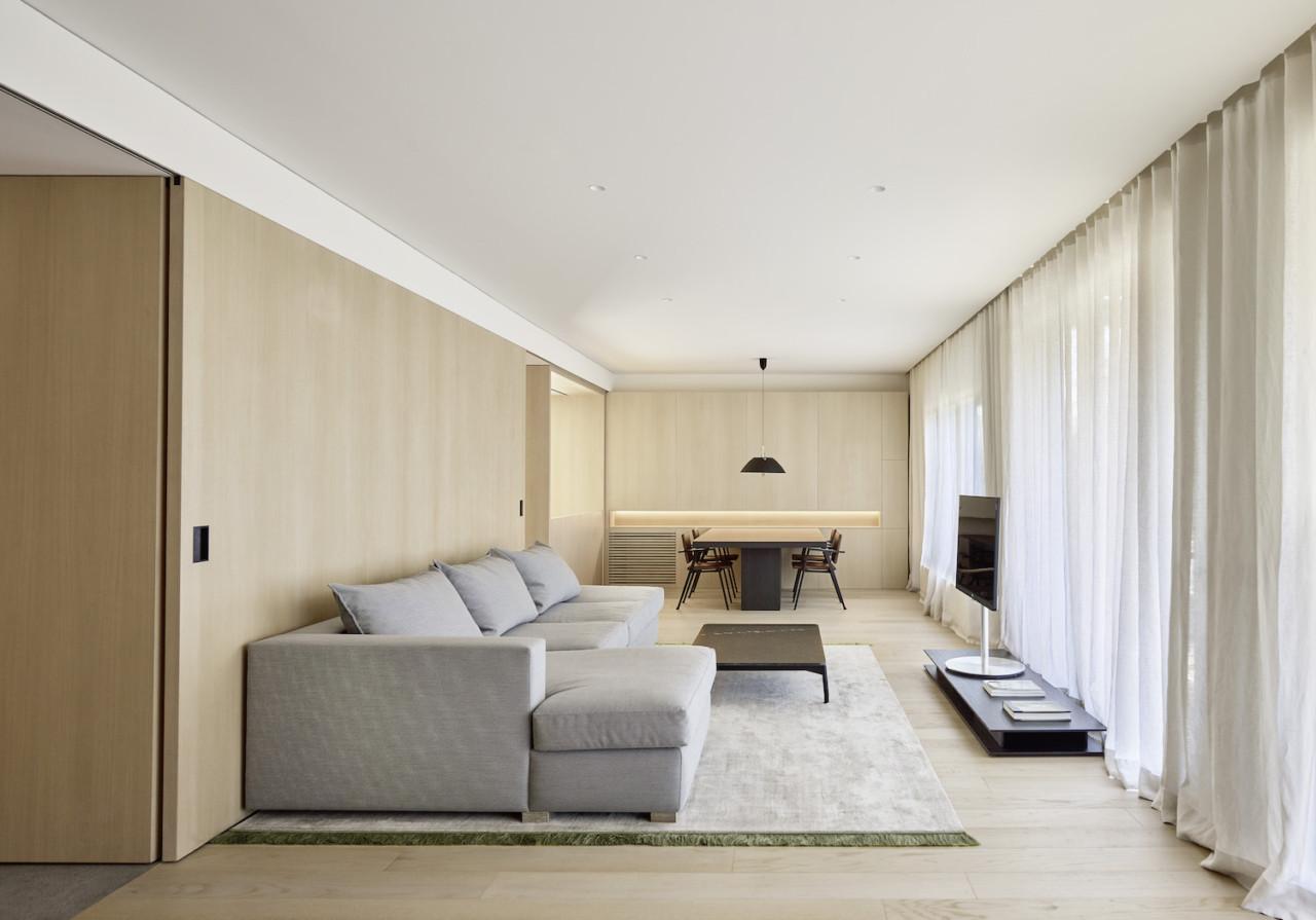 DM Apartment by Francesc Rifé Studio