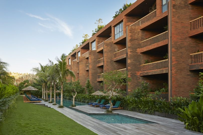 katamama-hotel-pool-2