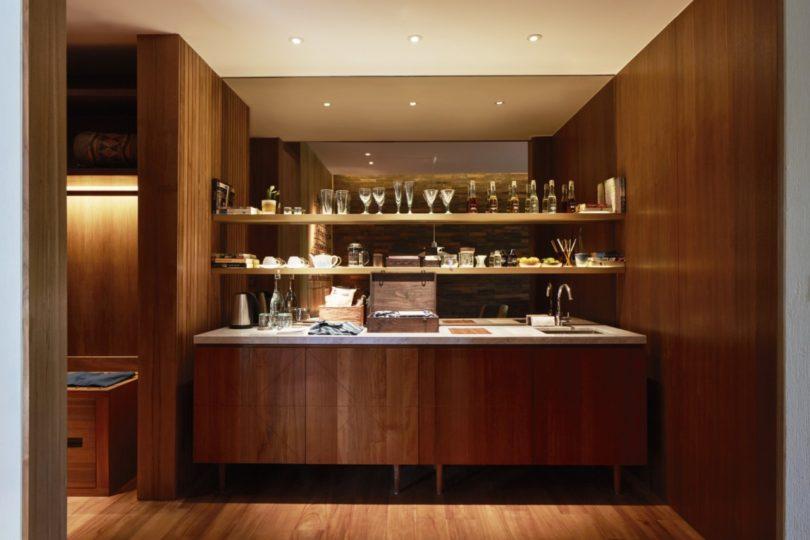 katamama_standard_suite_inroom_bar