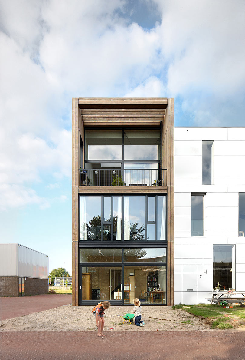 Industrial Location Inspires this House in Amsterdam
