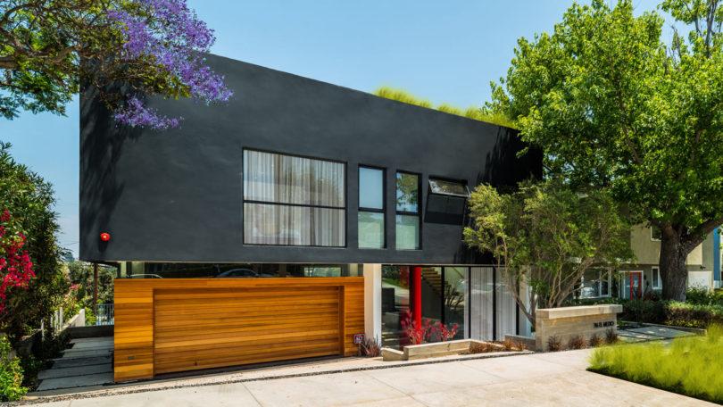 Modern Home Designed for Indoor/Outdoor California Living