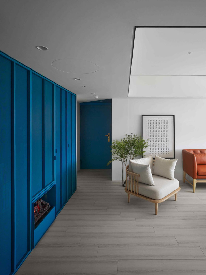 A Colorful Apartment Inspired by Paper Patterns Used in Fashion ...