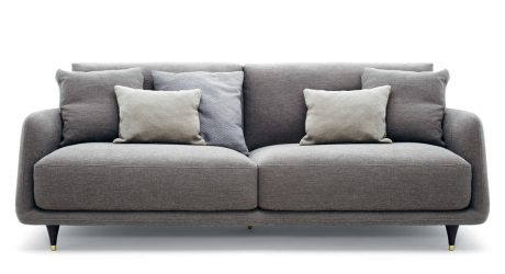 Elliot: A Cozy Gentlemen's Sofa with a Retro Detail
