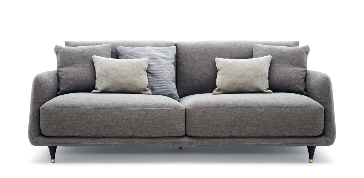 Elliot: A Cozy Gentlemenu0027s Sofa With A Retro Detail ...