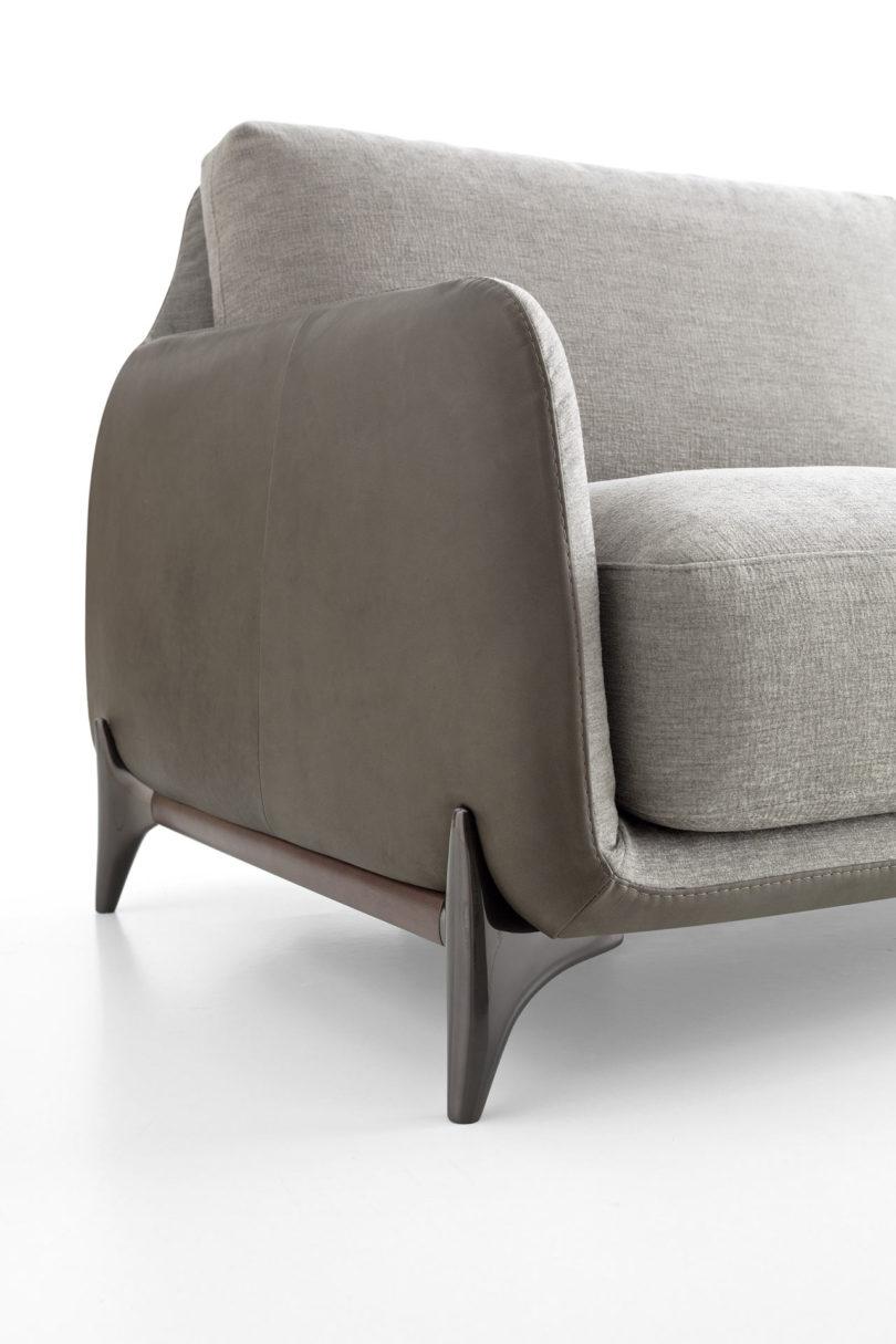 Elliot A Cozy Gentlemen 39 S Sofa With A Retro Detail Design Milk