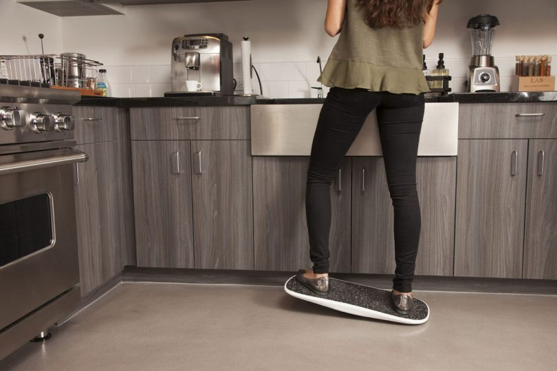 The Plane Offers a Balancing Act For Standing Desk Users