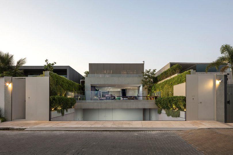 A Modern Beachfront House in São Sebastião, Brazil