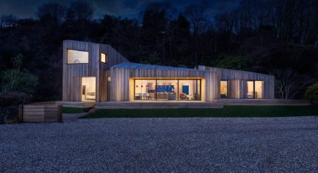A Modern Holiday Home on a Cliff on the South Coast