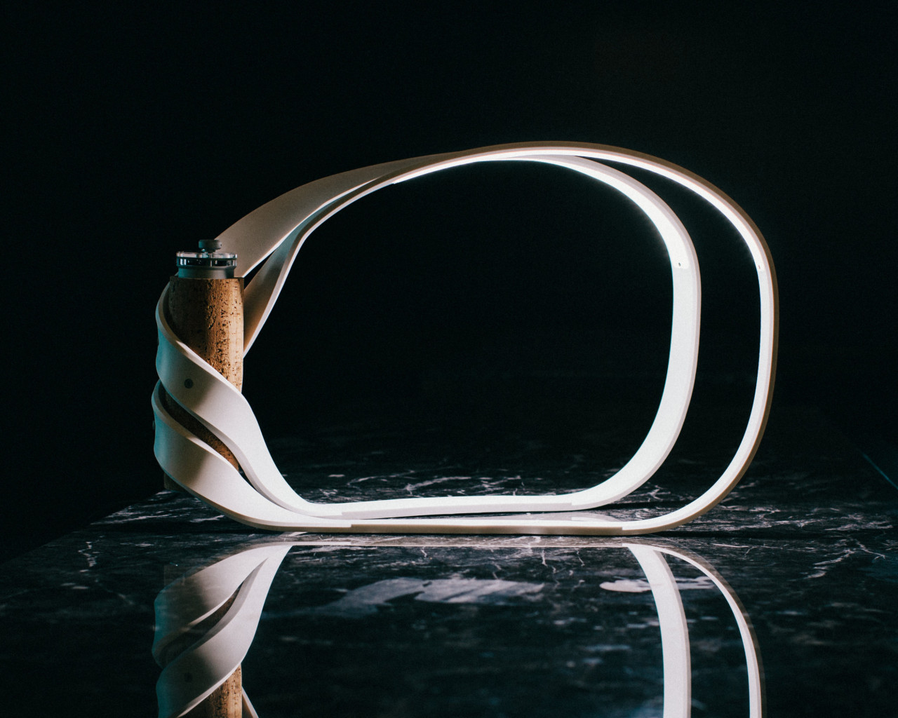 The Classic Möbius Brings a Unique Twist to Lighting