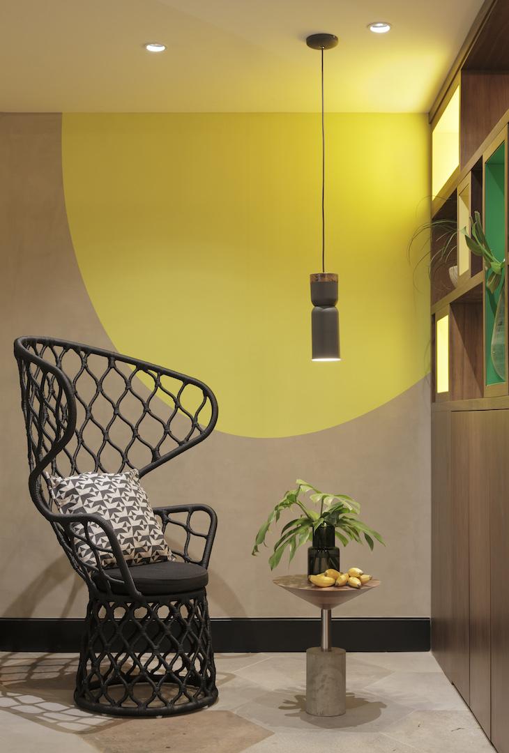 Enjoy the outdoor and indoor tropics at the yoo2 rio de for Yoo design hotel