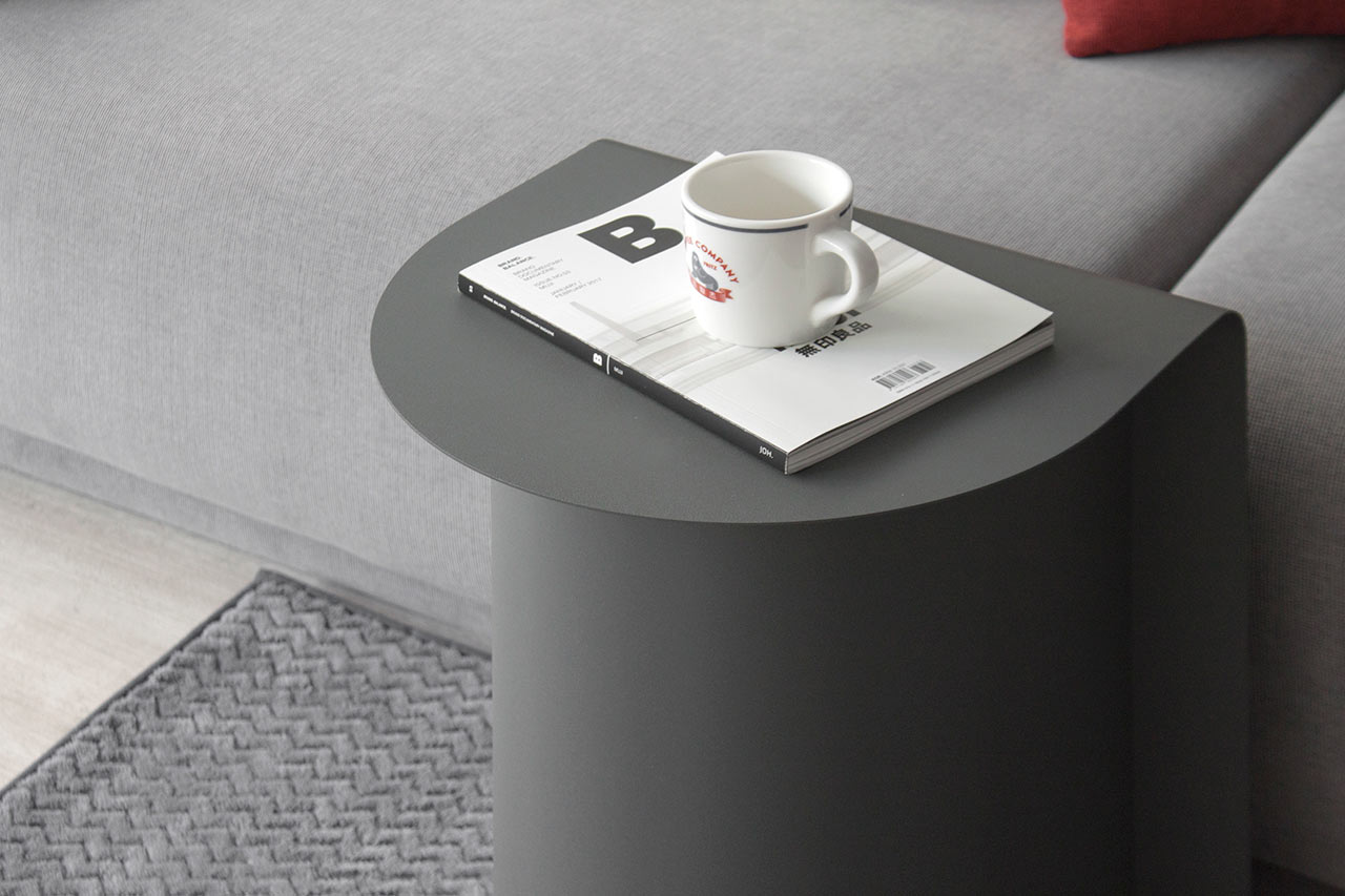 A Useful, Semicircular Table Made of Only Metal