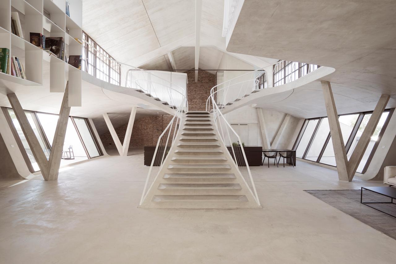 A Dramatic, Minimalist Loft in Salzburg, Austria