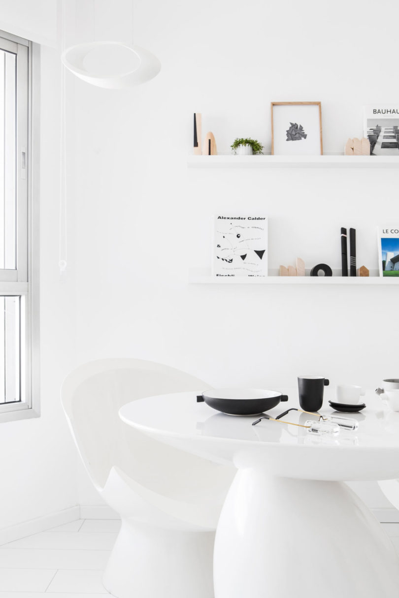 An All-White Apartment in Tel Aviv That\'s Anything But Boring ...