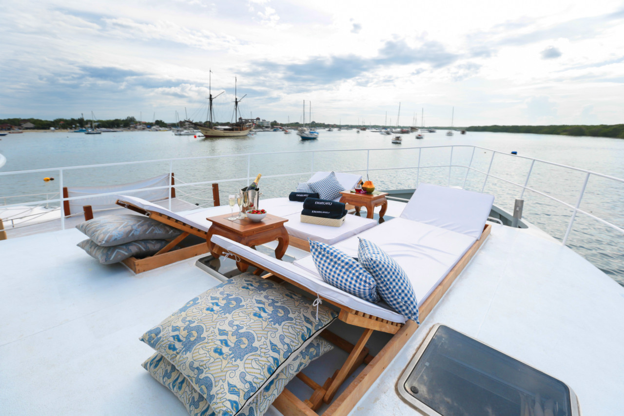 Set Sail Around the World with Nowboat