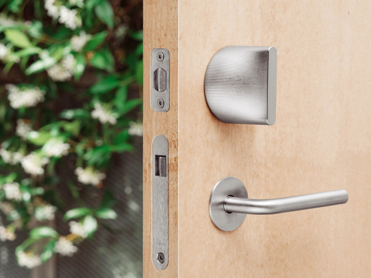 The Architects Behind Google Headquarters And Hyperloop One Designed This  Smart Lock ...